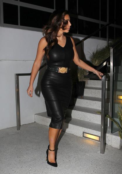Kim Kardashian+Kim+Kardashian+Goes+Out+Friends+EnhUX4sJ6uRl