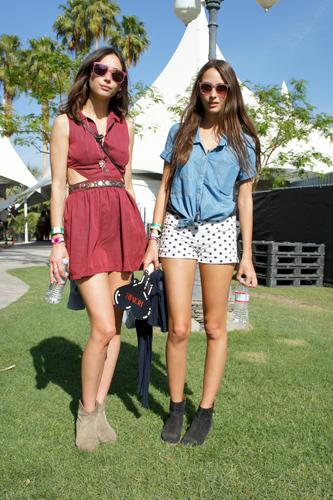 coachella-street-style-2011-sisters