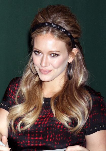 Hilary+Duff+Long+Hairstyles+Retro+Hairstyle+ACrDxPJz0rhl
