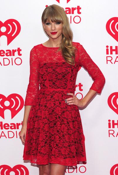 Taylor+Swift+2012+iHeartRadio+Music+Festival+Jsqyrhq1zZrl