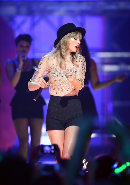 Taylor+Swift+2012+iHeartRadio+Music+Festival+SpRZ7FTHPkAl