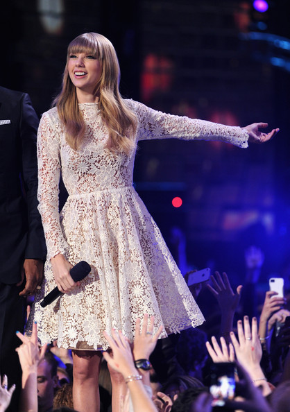 Taylor+Swift+GRAMMY+Nominations+Concert+Live+MVI8ZU8aJ-pl