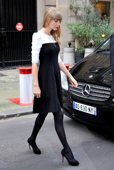Taylor+Swift+Taylor+Swift+Greets+Fans+Paris+UrF1bWnjztFl