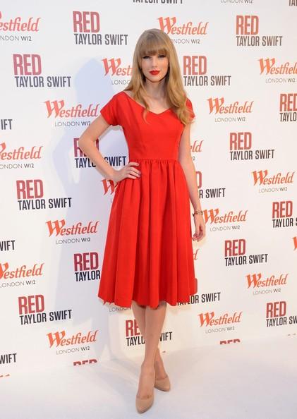 Taylor+Swift+Taylor+Swift+Switches+Lights+V0h_x7QnZF7l