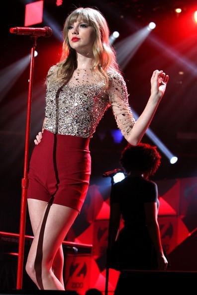 Taylor+Swift+Z100+Jingle+Ball+2012+Presented+i2bW8lXuRIEl