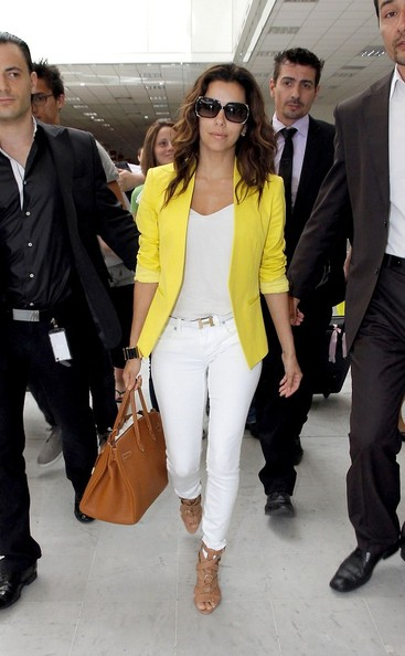 Eva-Longoria-In-Bright-Yellow-Blazer