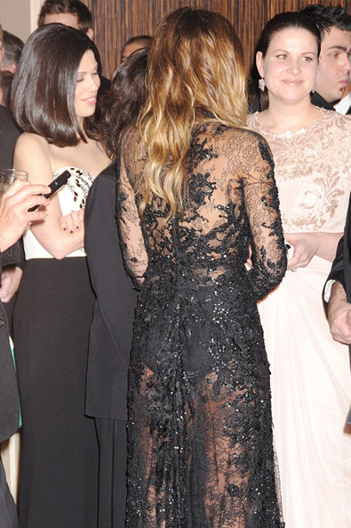 jess parte de tras do vestido