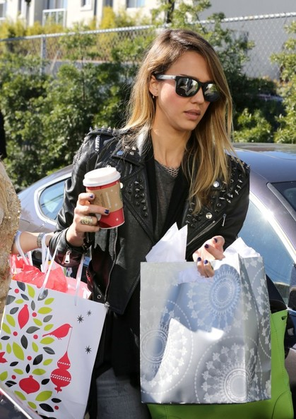 Jessica+Alba+Jessica+Alba+Shops+Target+_fJfYVnASX8l
