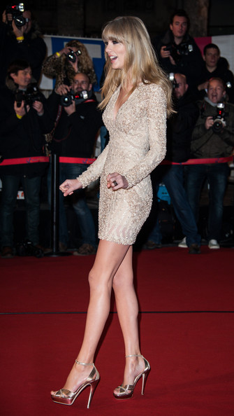 Taylor+Swift+NRJ+Music+Awards+2013+Red+Carpet+qGgo5vJ5CXVl
