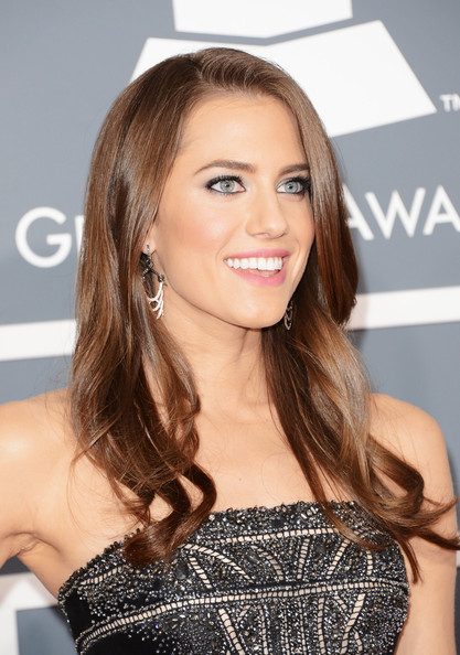 Allison+Williams+55th+Annual+GRAMMY+Awards+sTzhFA7lV-Vl