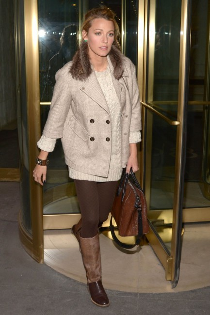 Blake-Lively-Brunello-Cucinelli-coat-shoes-Manhattan-February-4-2013