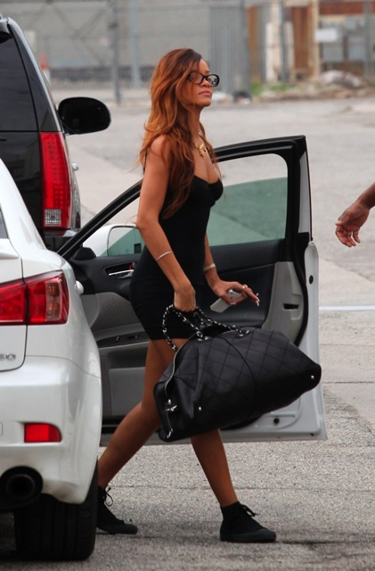 Rihanna arriving on the set of Stay music video in Los Angeles 2.2.2013_06