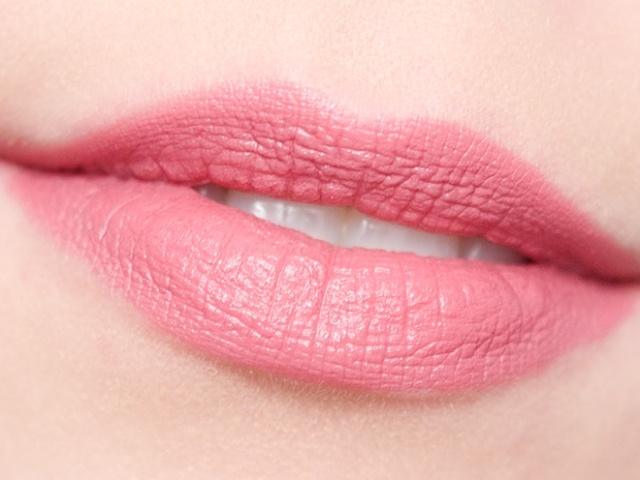 Rimmel Kate Moss Lasting Finish Matte Lipstick in 102