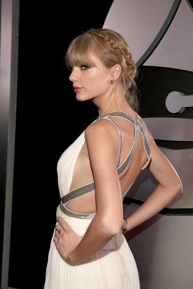Taylor+Swift+55th+Annual+GRAMMY+Awards+Red+o3jBHoN_aLIl