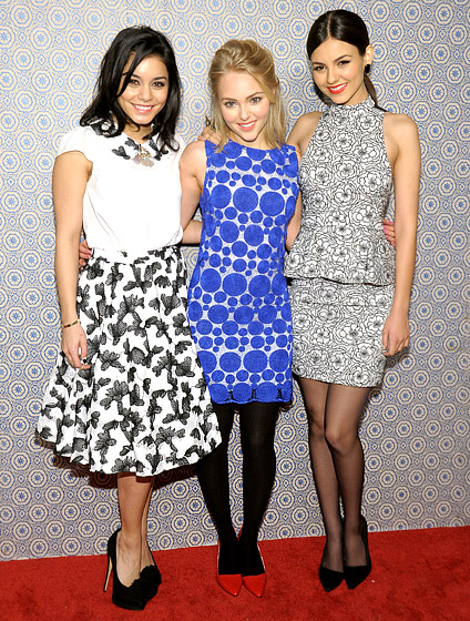 Vanessa Hudgens, AnnaSophia Robb and Victoria Justice posed together at the Alice + Olivia By Stacey Bendet fashion show in New York City Feb. 11.