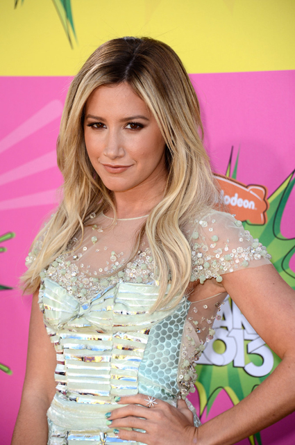 Ashley-Tisdale-Kids-Choice-Awards-2013-in-Rafael-Cennamo-45