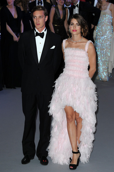 Charlotte-Casiraghi-Chanel-Couture-Bal-De-La-Rose-Du-Rocher-Gala-1
