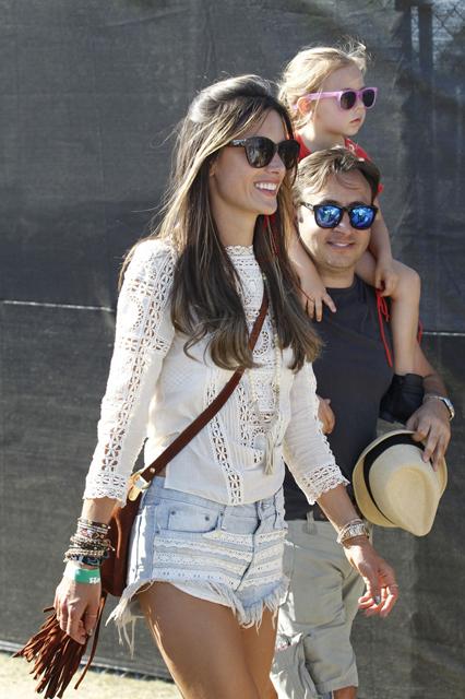 Alessandra+Ambrosio+Alessandra+Ambrosio+Takes+o_eGa5Fk0rlx