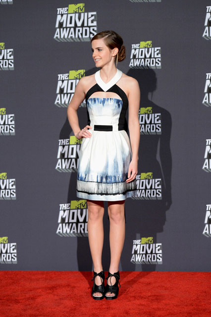 Emma-Watson-Maxime-Simoëns-2013-MTV-Movie-Awards-1