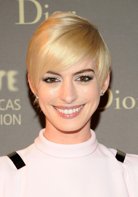 Anne-Hathaway-Givenchy-Tate-Americas-Foundation-Artists-Dinner-Hair