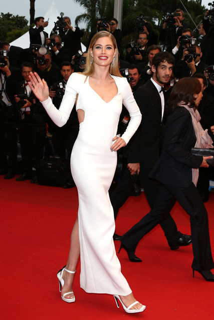Doutzen-Kroes-Calvin-Klein-Jimmy-P-Psychotherapy-Of-A-Plains-Indian-2013-Cannes-Film-Festival-Premiere-10