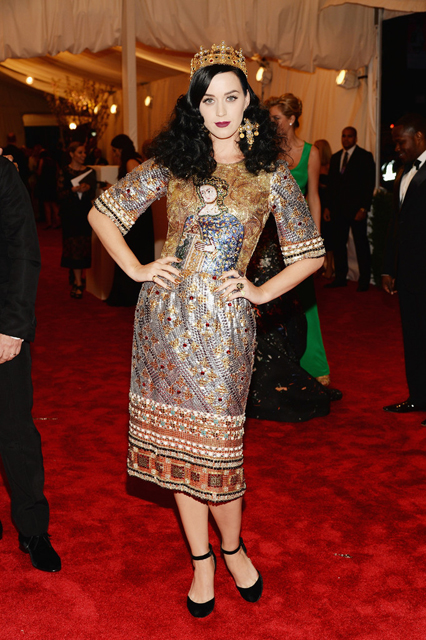 Katy-Perry-Dolce-Gabbana-2013-MET-Gala-6