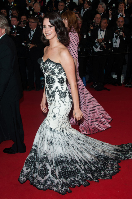 Lana-Del-Rey-2013-Cannes-Film-Festival-The-Great-Gatsby-Premiere-in-Lena-Hoschek