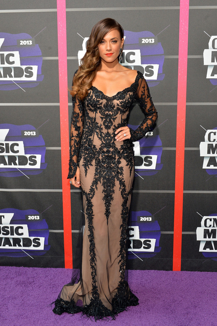 Jana-Kramer-Pavoni-2013-CMT-Music-Awards-6