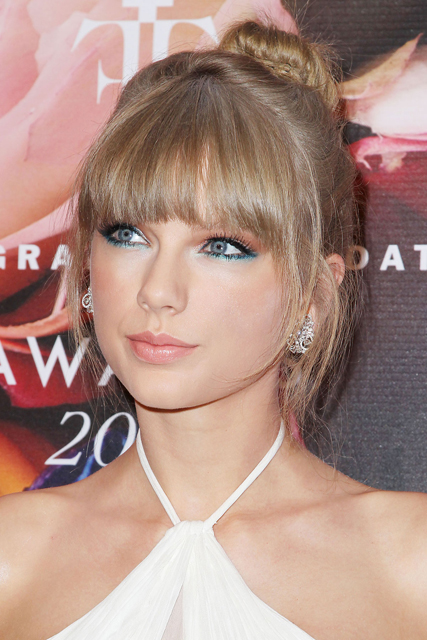 TAYLOR SWIFT at Fragrance Foundation Awards