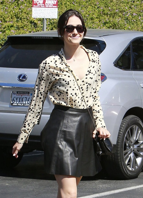 Emmy-Rossum-Visits-Hair-Salon-West-Hollywood-4