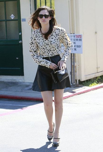 Emmy-Rossum-Visits-Hair-Salon-West-Hollywood-9