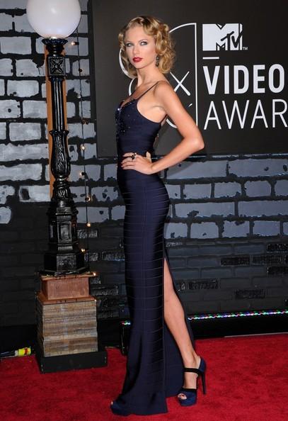 Taylor+Swift+Arrivals+MTV+Video+Music+Awards+lJs5ORfUm1Dl