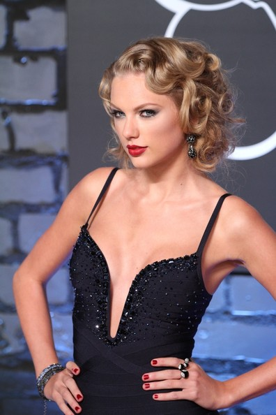 Taylor+Swift+Arrivals+MTV+Video+Music+Awards+Pjan_de2BtGl
