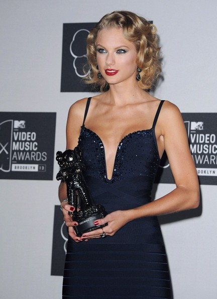 Taylor+Swift+Press+Room+MTV+Video+Music+Awards+R1T0IQ6Uz3Bl
