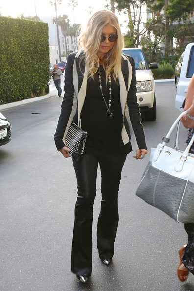 fergie-viceroy-hotel-santa-monica-lanvin-striped-cotton-blend-blazer