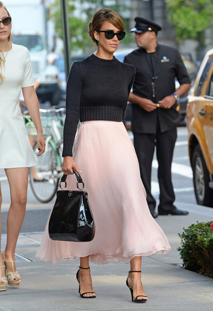 Jessica-Alba-in-Ralph-Lauren-Out-About-In-New-York