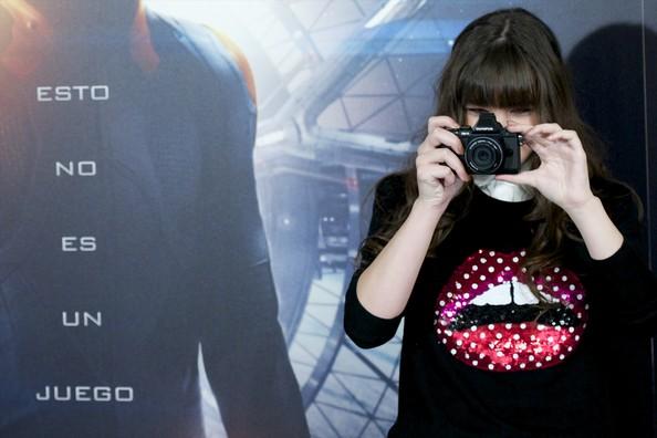 Hailee+Steinfeld+Ender+Game+Stars+Pose+Madrid+OTFXlcRibwYl