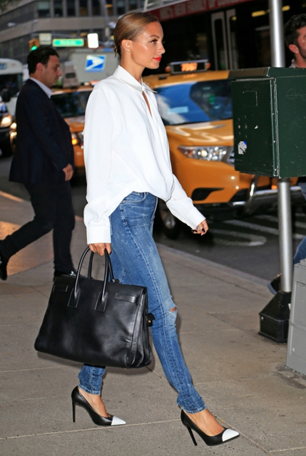 la-modella-mafia-Nicole-Richie-2013-street-style-skinny-jeans-and-pumps1