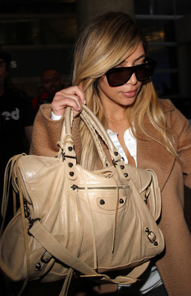 Kim-Kardashian- Balenciaga-City-Bag