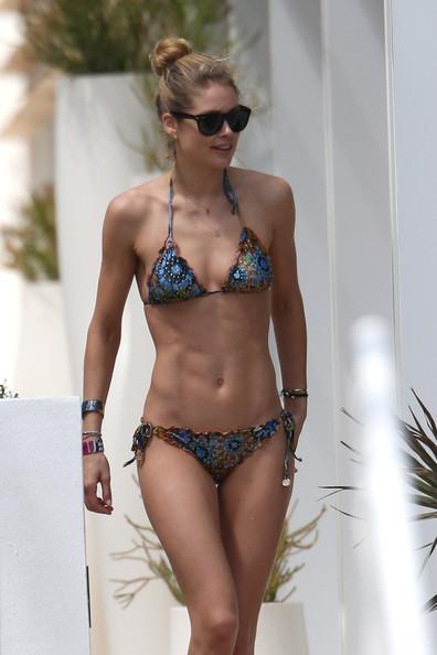 Doutzen+Kroes+Swimwear+String+Bikini+xcfj976ptcXl