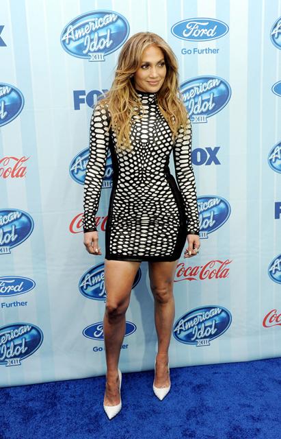 Jennifer-Lopez-American-Idol-XIII-Premiere-Tom-Ford-Spring-2013 (1)
