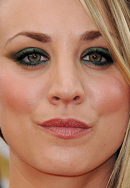 kaley cuoco whatsinfashioncwb