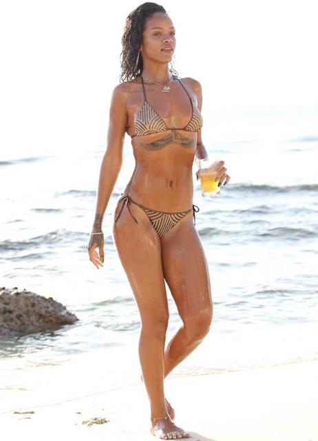 Rihanna-261