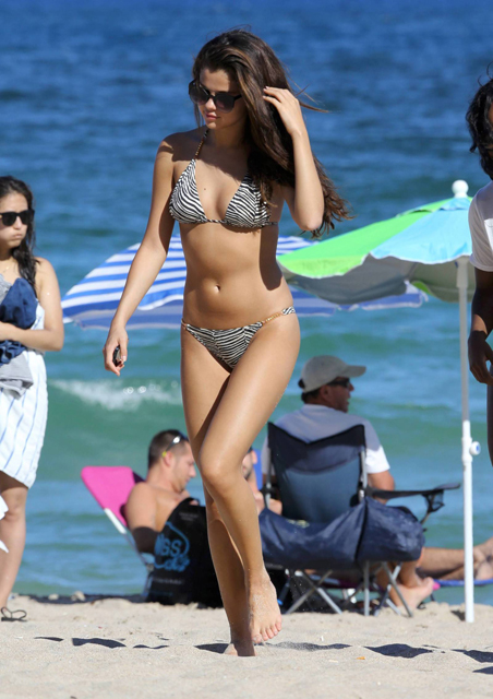 Selena-Gomez-110