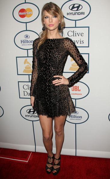 Taylor Swift Clive Davis whatsinfashioncwb