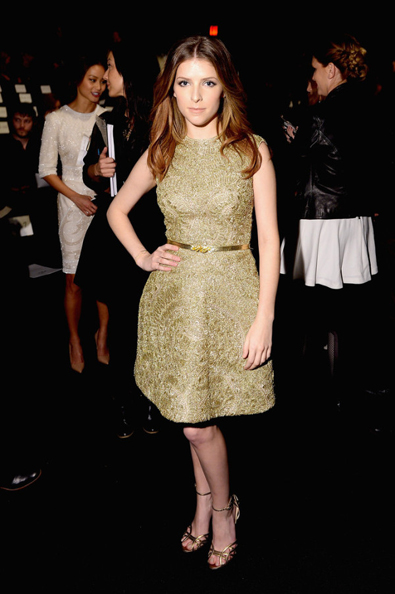 Anna-Kendrick-Monique-Lhuillier-Fall-2014-Front-Row-600x902