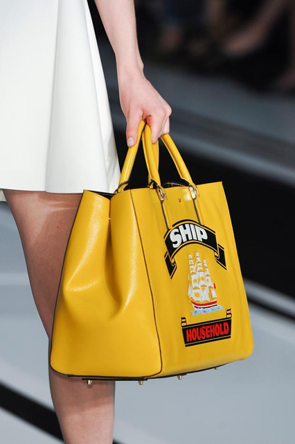 anya-hindmarch-details-autumn-fall-winter-2014-lfw16