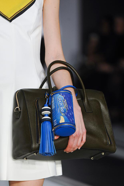 anya-hindmarch-details-autumn-fall-winter-2014-lfw22