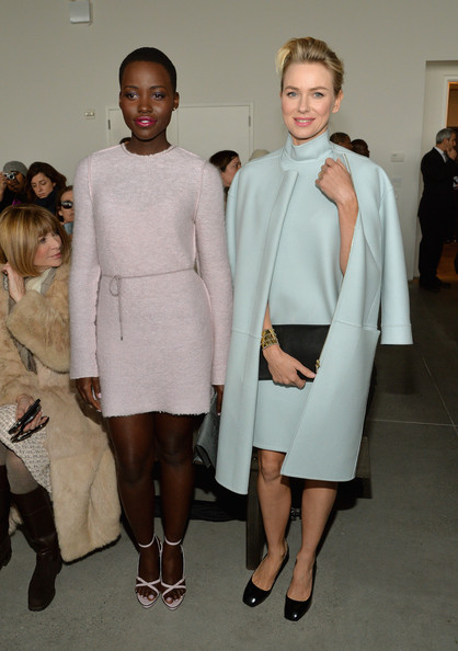 Lupita+Nyong Naomi Watts, +Front+Row+Calvin+Klein+Collection+OtwooNwpBNnl