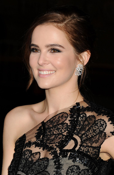 zoey-deutch-vampire-academy-premiere-in-los-angeles-2014-_9
